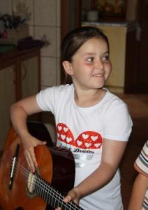 a Gitara 2
